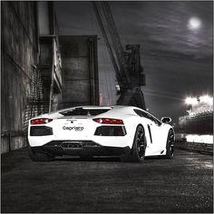 Lamborghini Macbook Wallpaper - http://www.facebook.com/carsandsupercar/posts/381391728734322