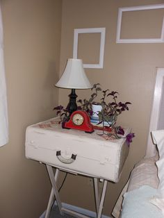 Upcycle vintage suitcase...diy.