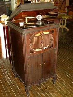 Antique 1919 Brunswick 117 Victrola Phonograph Record Player Mahogany Plays Key | eBay