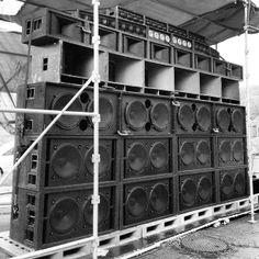 Mighty Crown Soundsystem from Japan For more awesome pins : #iQHamburg