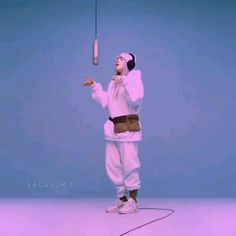 This video is 7 I tell you _ Billie Eillish Billie Eilish, Film Aesthetic, Aesthetic Videos, Music Video Song, Music Videos, Mood Songs, Video Editing, Foto E Video, Music Artists
