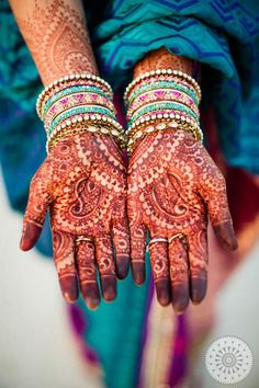 Henna painting - http://wanelo.com/p/3982830/airfare-secrets-how-to-book-cheap-airline-tickets-discount-flights-cheap-airfare-discounted-plane-tickets-hotel-rooms-car-rentals