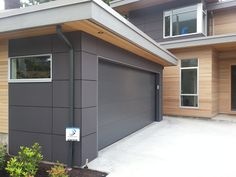 I'm loving this thin wood siding as an accent somewhere on the house House Cladding, Exterior Cladding, House Siding, Exterior Wall Panels, Wood Cladding, Modern Exterior, Exterior Design, Siding Options, Wood Siding