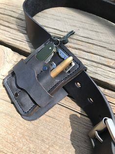 (Black) Leather Gear Holster, everyday carry your Pocket Knife, Fisher Bullet Space Pen, cr - Lederverarbeitung Leather Art, Custom Leather, Leather Pouch, Leather Tooling, Black Leather, Leather Holster, Sewing Leather, Handmade Leather, Leather Jewelry