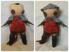 Assassin's creed versione puppetz pupazzo.  Pupazzo in panno lenci.