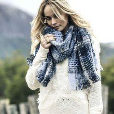 EYE-CATCHING / / *Sweater Ortiga  Todavía estas a tiempo de conseguir la…