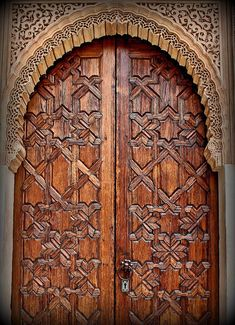 Ideas wooden entrance door puertas for 2019 Door Entryway, Entrance Doors, Doorway, Entryway Ideas, Cool Doors, Unique Doors, Moroccan Doors, Porte Cochere, Knobs And Knockers