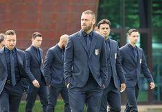 スーツを着たサッカーイタリア代表がカッコよすぎる(時系列順・衝撃おまけつき) - BUONO! ITALIA