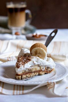 No-bake Banana and Dulce de Leche Pie with BAILEYS Coffee Creamer Caramel | URBAN BAKES