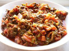 Snijbiet met tomaten en kruiden. Een heerlijk vegetarisch gerecht.
