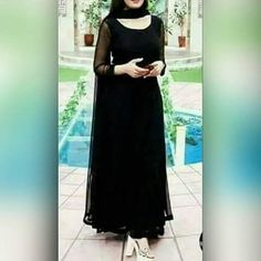 Pakistani Dresses Casual, Indian Gowns Dresses, Indian Fashion Dresses, Dress Indian Style, Pakistani Dress Design, Indian Designer Outfits, Indian Outfits, Black Pakistani Dress, Long Dress Design