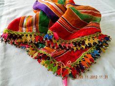 yemeni iğne oyaları Needle Lace, Needle And Thread, Hand Work Design, Hand Work Blouse, Hand Work Embroidery, Textiles, Indian Beauty Saree, Fabric Manipulation, Crochet Scarves