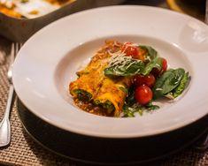 Cannelloni med ricotta och spenat - ZEINAS KITCHEN Ricotta, Food Gifts, Mozzarella, Parmesan, Italian Recipes, Thai Red Curry, Food Porn, Pasta, Baking