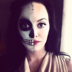 @lizmariegalvan Halloween makeup- Half skeleton makeup. #halloween #makeup #DIYcostume #halloweenmakeup
