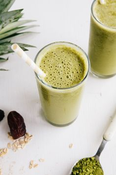 Pineapple and Matcha Oat Smoothie (Vegan   GF)
