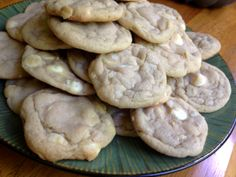 Peanut butter cookies with Reese's peanut butter chips. I think I will make these today! Peanut Butter Kiss Cookies, Peanut Butter Chips, Reeses Peanut Butter, Recipe Roost, Macadamia Nut Cookies, Biscuits, White Chocolate Macadamia, Peanut Butter Recipes, Cookie Decorating