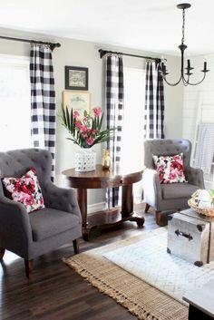 Gorgeous 85 Modern Farmhouse Style Dining Room Design Ideas https://homeastern.com/2018/02/01/85-modern-farmhouse-style-dining-room-design-ideas/ #CoolThings