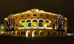 Municipalidad de de Lima de Noche by CHIMI FOTOS, via Flickr