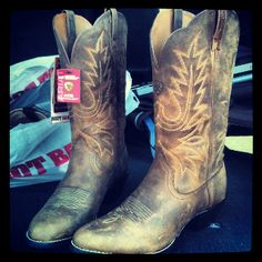 #boots #countrygirl #country GET ON MY FEET!!!