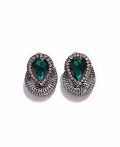 Brinco com detalhe em pedra verde jade. Acessórios Hic. R$36,50