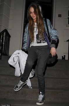 Cara Delevingne takes a tumble as she leaves post-War Child house party at 5am | Mail Online