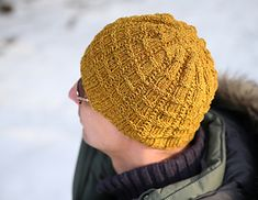 My friend graciously gave me a skein of Brooklyn Tweed Shelter, and a minute I saw that, it struck me: this would be perfect for a man's hat, and my DH needs a hat!