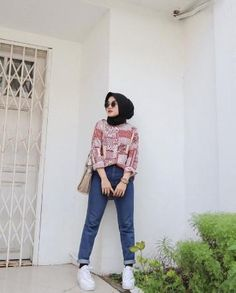 Hijab Fashion Summer, Street Hijab Fashion, Ootd Fashion, Modern Hijab Fashion, Muslim Fashion, Jeans Fashion, Fashion Outfits, Fashion 101, Casual Hijab Outfit