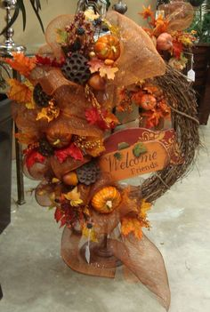 Welcome Friends - Fall Wreath