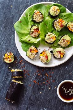 Veggie Sushi Rolls | #vegan #vegetarian - Delicious meal that doesn't require heat or cooking! Perfect for those hot #summer days.