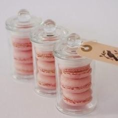 12 Best Edible Wedding Favors: Macarons are always a fan favorite, and adorable packaging makes this gift even sweeter. - 12 Best Edible Wedding Favors: Macarons are always a fan favorite, and ador. Edible Wedding Favors, Beach Wedding Favors, Wedding Favors For Guests, Unique Wedding Favors, Bridal Shower Favors, Unique Weddings, Party Favours, Edible Favors, Wedding Candy