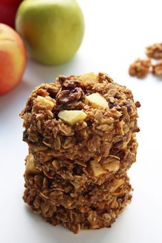 Oatmeal breakfast cookies with apple sauce, apple dices, walnuts, raisins a Oatmeal Breakfast Cookies, Breakfast Cookie Recipe, Breakfast Recipes, Breakfast Dishes, Muffin Recipes, Healthy Baking, Healthy Snacks, Healthy Recipes, Healthy Sweets