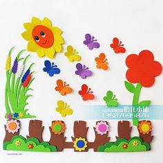 15 Beautiful and Easy Classroom Decorating Ideas - Ideias escola - Fun Crafts For Kids, Craft Stick Crafts, Felt Crafts, Diy And Crafts, Paper Crafts, Preschool Classroom Decor, Classroom Wall Decor, Preschool Crafts, School Board Decoration