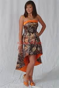 camo wedding dresses - Bing Images Making dresses like this for my friend and her cousin.