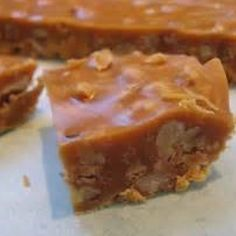 Sander mango Tastic Likes-> Twirl and Taste: Brown Sugar Fudge is sweet as a KISS and melts in your mouth! The perfect holiday candy for eating or gifting! Köstliche Desserts, Delicious Desserts, Yummy Treats, Sweet Treats, Dessert Recipes, Fudge Recipes, Candy Recipes, Sweet Recipes, Penuche Fudge