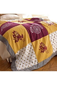 Varsi-Tee Patchwork Blanket: I need to make this! U of M, obvi. GO BLUE. Patchwork Blanket, Arizona State University, Alma Mater, Cool T Shirts, Quilt Patterns, Sewing Projects, Quilts, Tees, T Shirts