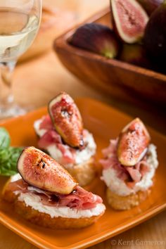 Fig and goat cheese crostini with prosciutto and balsamic vinegar. I can't wait 'til figs show up at my Farmer's Market.