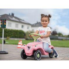Masinuta BIG Bobby Classic este un vehicul minunat pentru fiecare copil de la 12 luni până la 3 ani, a cărui capacitate de greutate este de 50 kg. Copii își vor dezvolta musculatura și vor dobândi stabilitate. Scaunul format ergonomic ajută la dezvoltarea corectă a șoldului. Bobby Car, Tricycle, Toy Story, Baby Strollers, Classic Cars, Children, Bebe, Floral Patterns, Sticker