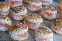 Mini Lachsburger Fingerfood Haeppchen Rezept Sesam