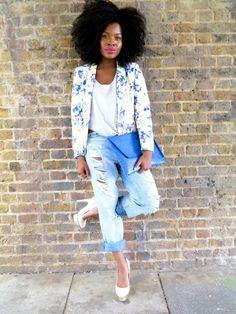 Floral jacket, boyfriend jeans, clutch - igobyfrankie.com