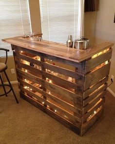 Recycled Bar from 2 old pallets. Recycled Bar from 2 old pallets. Bar Pallet, Pallet Wine, Pallet Bar Plans, Pallet Tables, Pallet Beds, Man Cave Pallet Ideas, Tiny Man Cave Ideas, Pallet Bar Stools, Pallet Porch