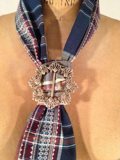 Ladies tie.
