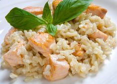 Fresh salmon risotto with cheese garlic and herbs WW, recipe for a tasty light risotto, creamy and fragrant easy to make, serve with a salad Mayonnaise, Salmon Risotto, Potato Salad Mustard, A Food, Food And Drink, Gourmet Recipes, Healthy Recipes, Love Eat, Kraut