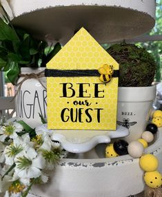 Wood Block Crafts, Bee Creative, Cricut Craft Room, Cute Signs, Bee Crafts, 40th Birthday Parties, Bee Happy, Shabby Chic Cottage, House In The Woods