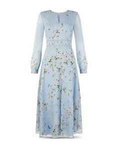 Shop Silk Skye Dress by HOBBS online - all the latest luxury British fashion along with exclusive online offers. Free UK delivery for all orders over Hobbs Silk Midi Dress, Floral Midi Dress, Classy Outfits, Casual Outfits, Hobbs London, Midi Dresses Online, British Style, Fit And Flare, Casual Dresses