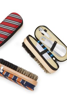 Need a gift for the man in your life? Make your husband's, brother's or dad's day all the merrier with our special, but not expensive, gifts for men. Top Gifts For Men, Holiday Gifts For Men, Diy Christmas Gifts, Dad Valentine, Valentine Day Gifts, Dad Day, Mom And Dad, Grooming Kit, Animals For Kids