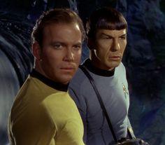 Star Trek: The Original Series, Captain Kirk and Mr. Star Wars, Star Trek Tos, James T Kirk, Star Trek 1966, Star Trek Images, Star Trek Characters, Star Trek Original Series, Starship Enterprise, Leonard Nimoy