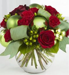 Recreate for holiday centerpieces:Fab Freebie: Gifts In Bloom