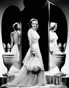 Bette Davis photographed forDark Victory (1939)