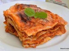 Lasagne alla bolognese – rețeta tradițională italiană Mozzarella, Bolognese, Pizza Recipes, Zucchini, Broccoli, Food And Drink, Diet, Ethnic Recipes, Paste