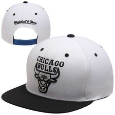 new product 3084c 58e2a Chicago Bulls Mitchell   Ness White Black 96 Adjustable Snapback Hat